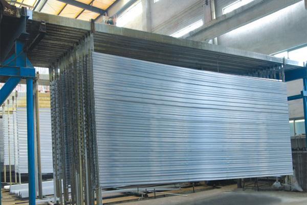 凤铝铝材-凤铝铝材、坚美铝业:铝下游加工企业加速转型!